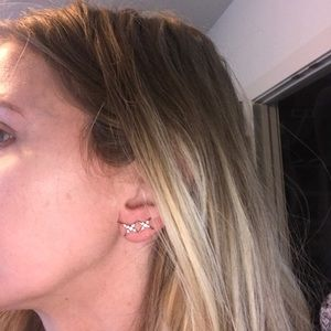 Jewelry - Star ear crawlers